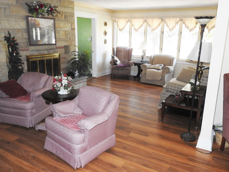 Colonial Park Adult Foster Care Assisted Living Center Grand Ledge Mi